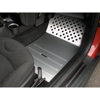 Rennline Aluminum Vloerplaat Passagierszijde (Track Mats) (1)