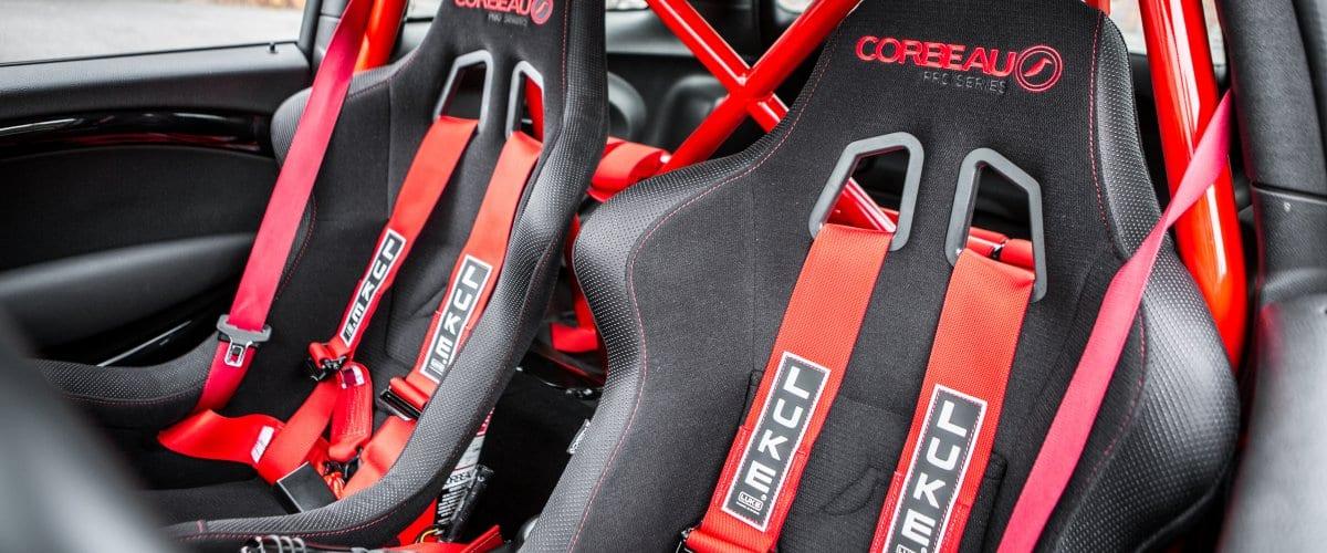 In de shop: Superieure Corbeau Racestoelen